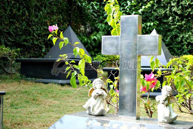高雄基督教墓園合法化墓園 基督教安息最佳場所 高雄禮儀公司(玫瑰園-墓園)